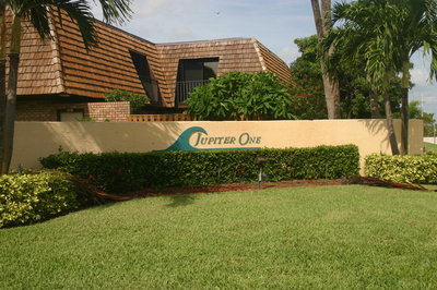 Jupiter One Pet friendly condos