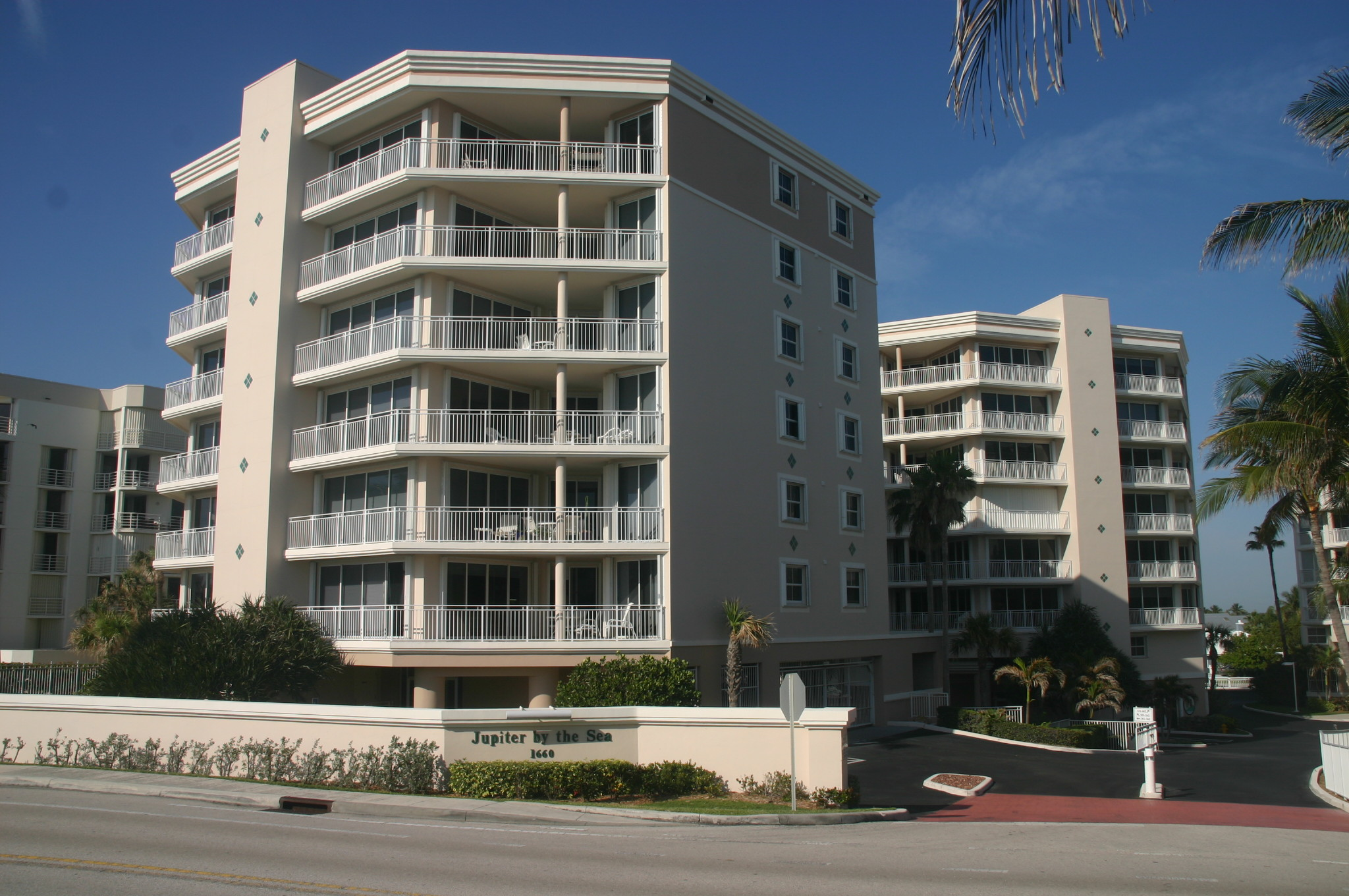 Jupiter By The Sea Condos